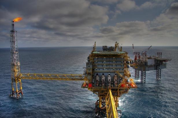 Oil platform - Source Pixabay
